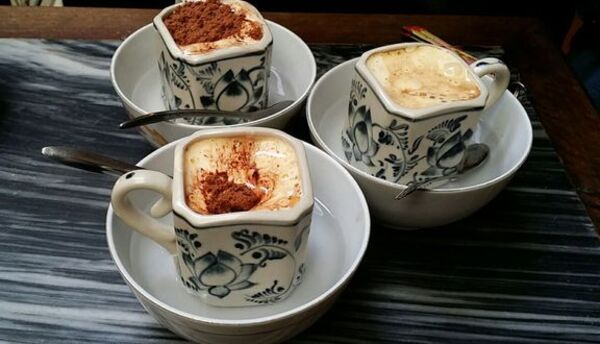 Hướng dẫn cách làm cafe trứng thơm ngon, không tanh